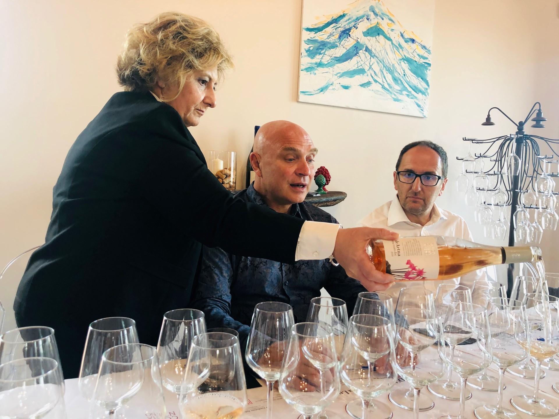 I grandi nomi del vino italiano a Viagrande: successo per la masterclass con Luca D'Attoma | Sicilia da Gustare