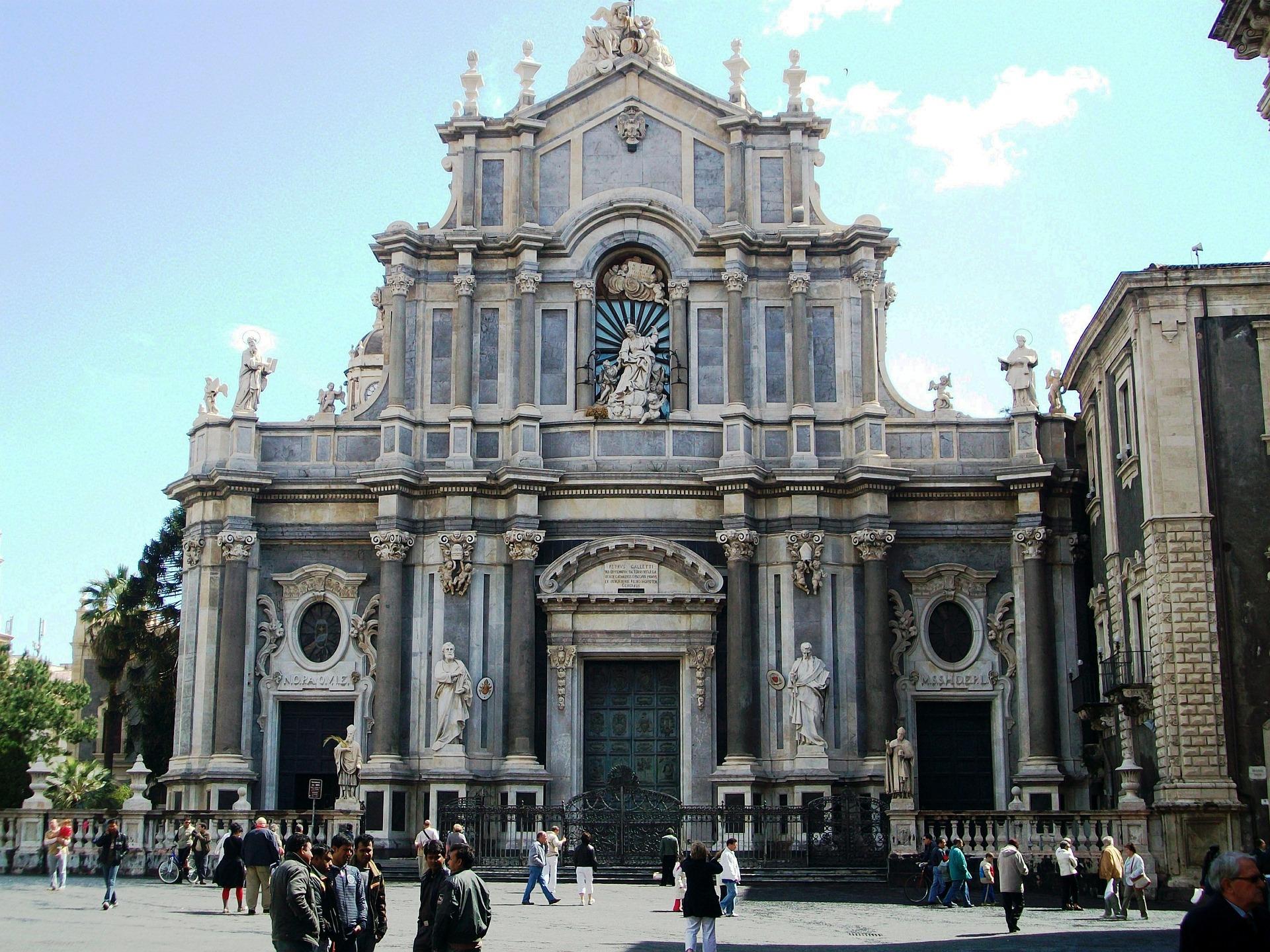 Catania, Messina, Siracusa il loro fascino oltre il Barocco, tra Liberty e Art Nouveau | Sicilia da Gustare