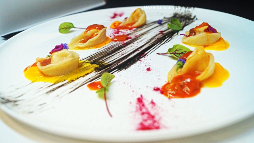 Agnolotti ripieni di astice con crema di carote e ricci di mare | Valentina Gallo | Ristorante Il Tiranno