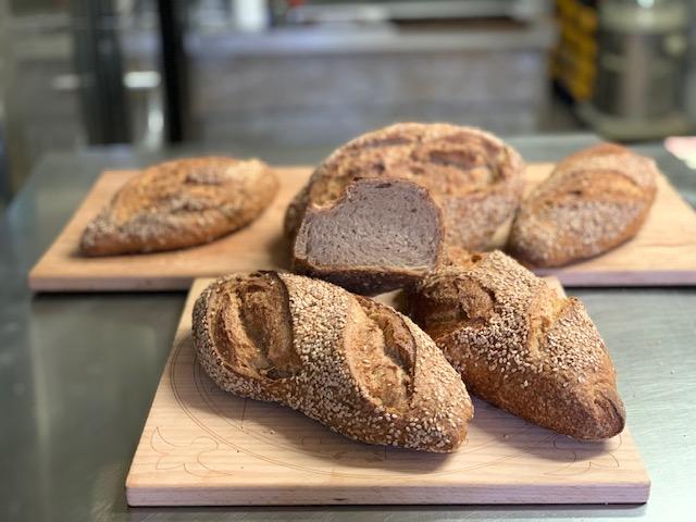 Francesco Arena e il suo primo pane con grani antichi siciliani a Messina | Sicilia da Gustare