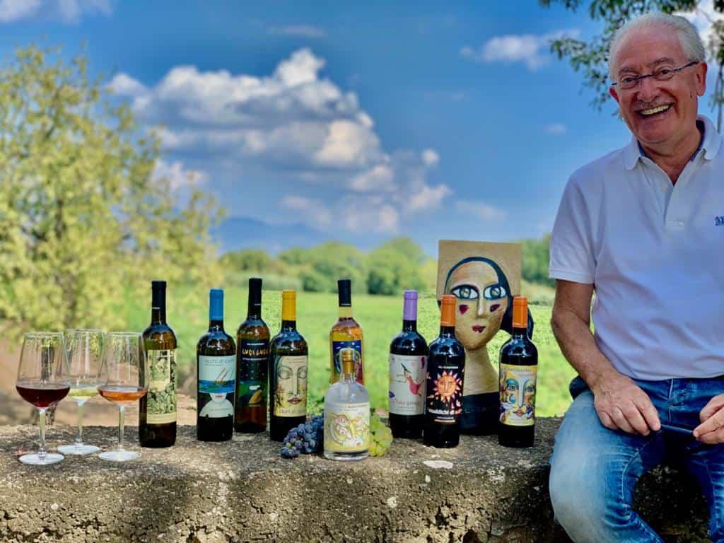 Pucci Giuffrida, produttore di Al-Cantàra, con la nuova grappa Rosa Fresca Aulentissima (ph. Pernice)
