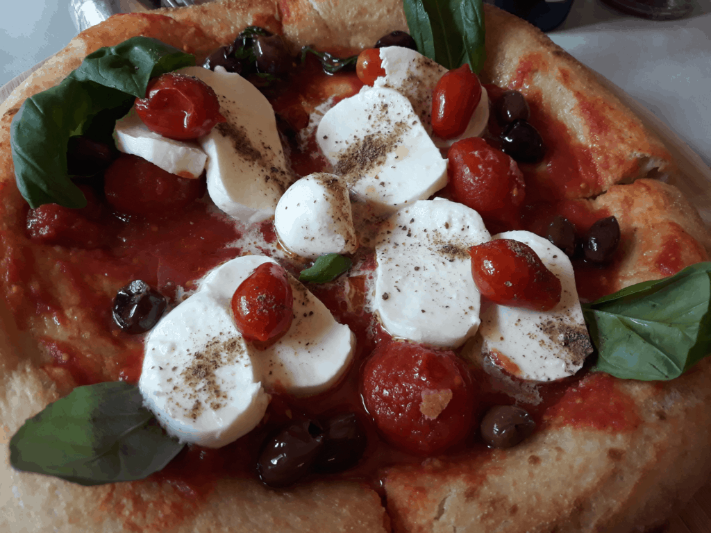 Judeka e pizza margherita