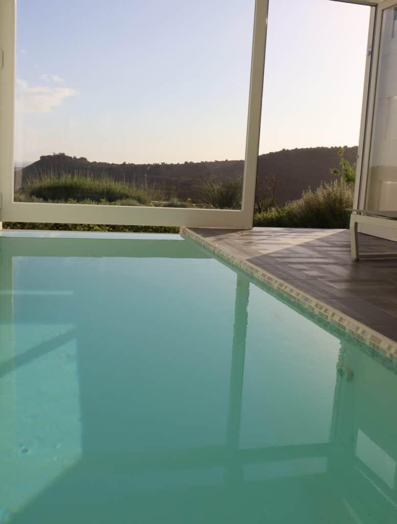 Doric resort piscina in camera