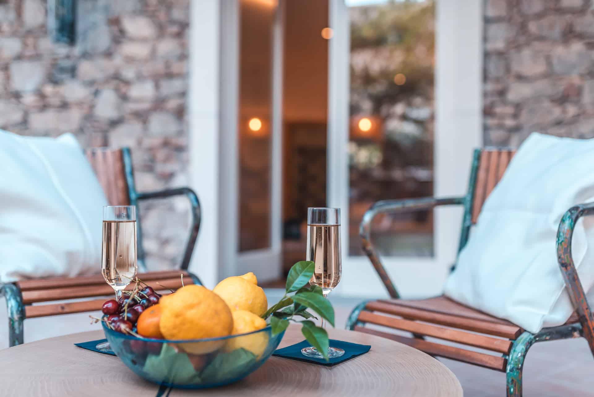 medousa hotel Junior Garden Suite