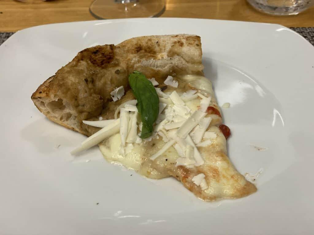 PIZZA MAGIONE