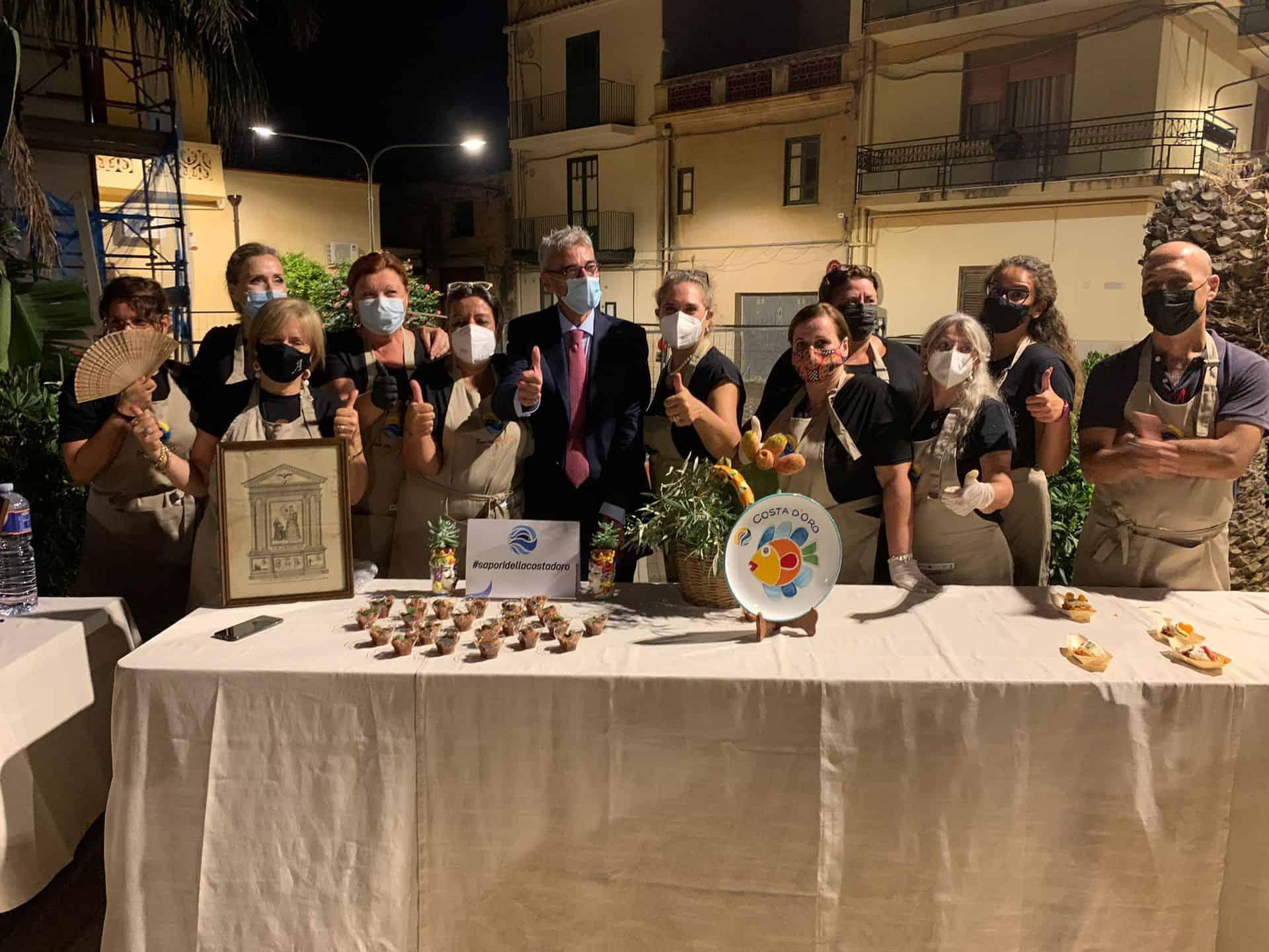 le ambasciatrici del gusto dei sapori della costa d'oro con il presidente Pino Virga